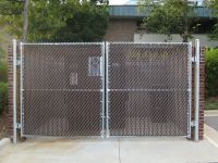 02_galvanized_chain_link_dumpster_gate